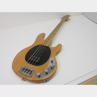 MUSIC MAN STING RAY