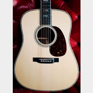 Martin Custom Shop D-45 Wild Grain East Indian Rosewood with Selected Adirondack Spruce Top
