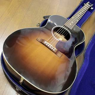 Gibson blues king Vintage Sunburst  ブルースキング 2012年製です
