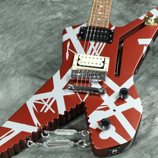 EVH Striped Series Shark Pau Ferro Fingerboard Burgundy with Silver Stripes 【WEBSHOP】