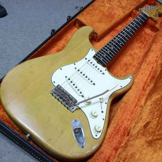 Fender Stratocaster with synchronized toremolo ラージヘッド 1968年製です。