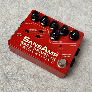 Tech 21 SANSAMP BASS DRIVER DI 〈Vermilion〉