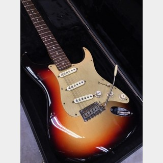 Fender 【お茶の水店限定!下取査定25%UP!!】FSR American  Stratocaster V  M3CS/R 【2013'USED】