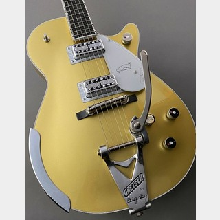 GretschG6134T Limited Edition Penguin with Bigsby (#JT18125132) Casino Gold