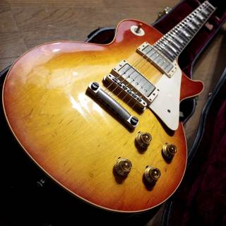 Gibson Custom Shop Historic Collection 1958 Les Paul Standard Cherry SunBurst VOS 2011年製 です