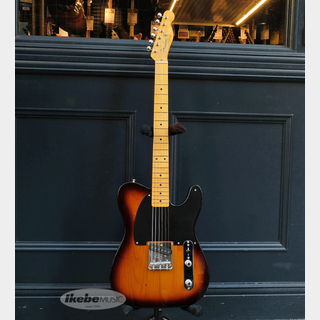 Fender 70th Anniversary Esquire (2-Color Sunburst/Maple Fingerboard) [Made In USA]
