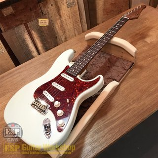 Suhr(正規輸入品) Suhr J Select Classic S Antique Roasted Flame Maple 【Olympic White/SSS】