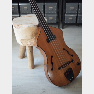 K.Yairi Violin Bass Fretless