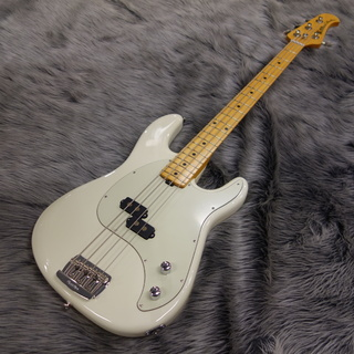 MUSIC MAN CUTLASS BASS Ivory White/M【半額アウトレット品!!50%OFF!!】
