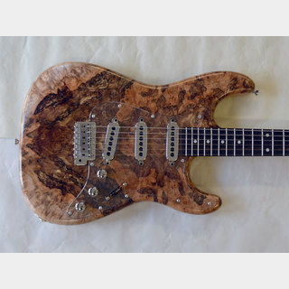 DEREK CUSTOM GUITAR Custom ST/Spolted Burl Maple