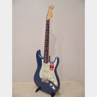 Fender Limited Edition American Professional Stratocaster, Rosewood Fingerboard / Lake Placid Blue