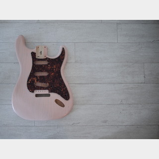 MJT Stratocaster Body - Swamp Ash - Shell Pink - Light Relic