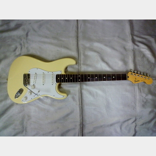 Fender Japan ST-STD VWH/R